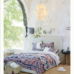 Anthropologie Risa Quilt and Two Shams -queen